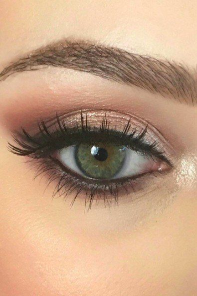 Proof That Girls With Green Eyes Can Wear Every Eye Shadow Color