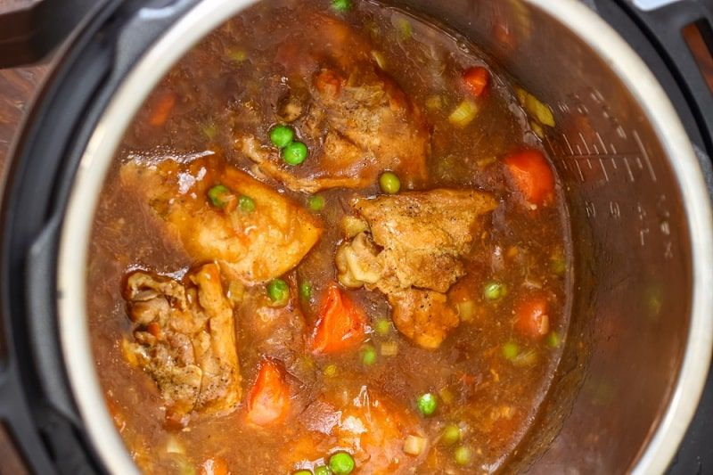 How long to cook chicken thighs in a pressure cooker in