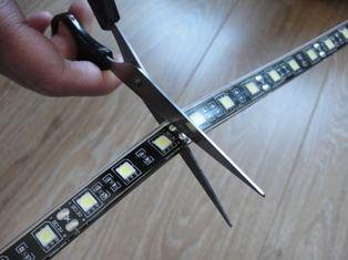 lumiere : pour créer un éclairage indirect et linéaire. conseil
