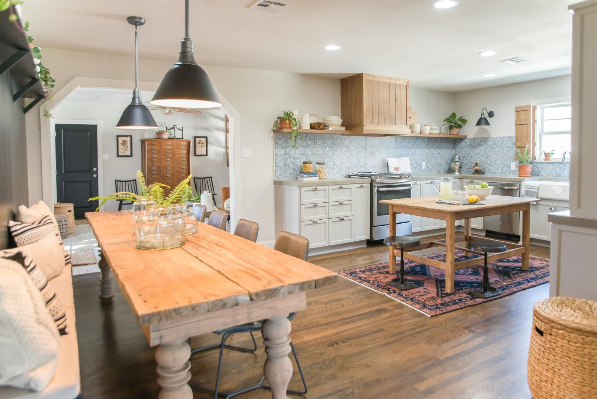 Design Tips From The Baker House Magnolia Fixer Upper Dining Room Fixer Upper Kitchen Kitchen Colors
