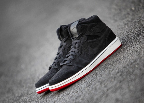 pretty nice af267 e03a2 Air Jordan 1 Retro Mid Black Nubuck Detailed Pictures