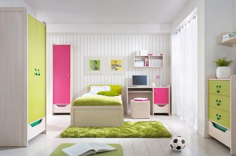 Kinderzimmermöbel holz  Kinderzimmermöbel aus hellem Holz mit bunten Schrankfronten ...