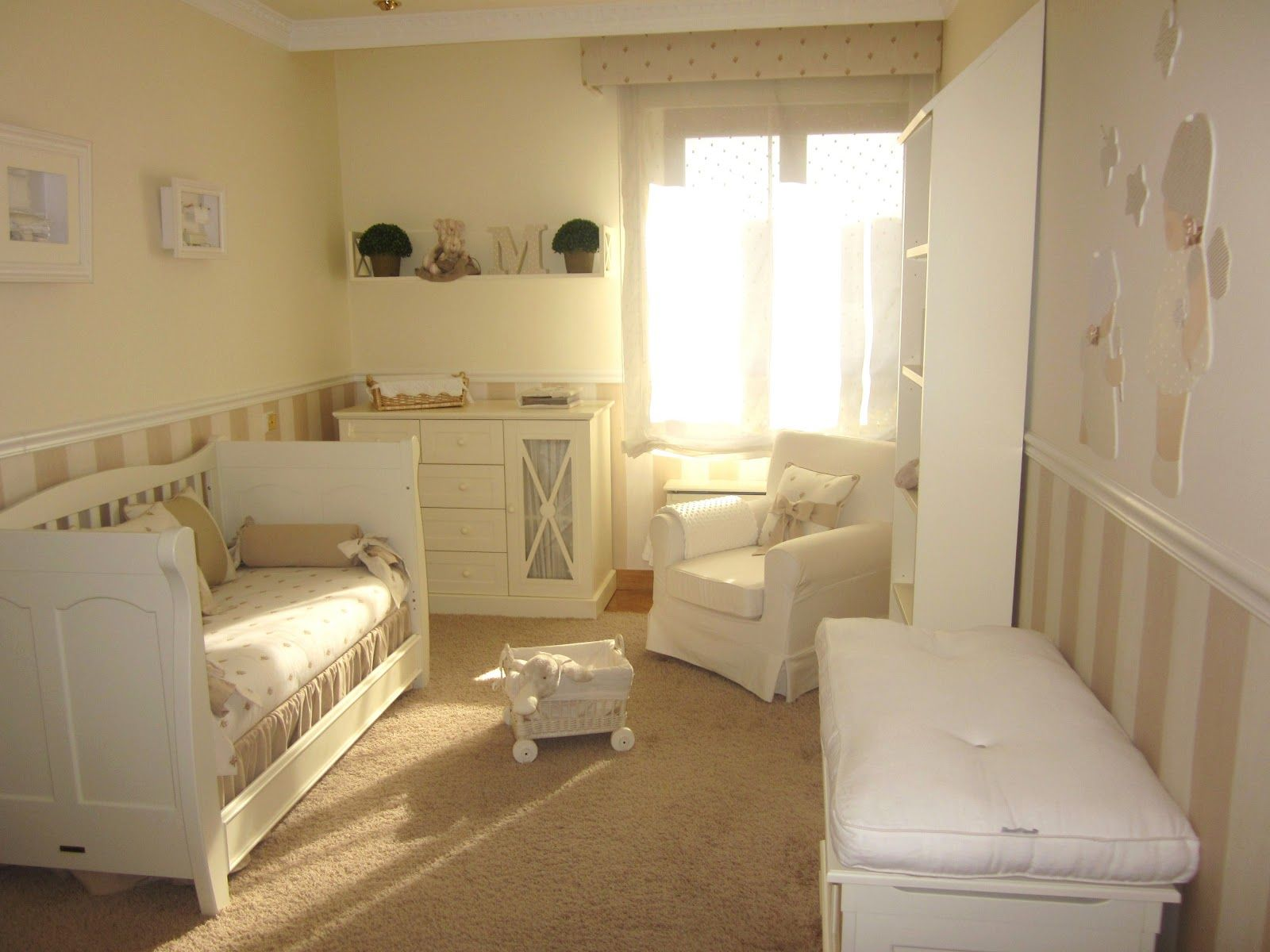 Habitacion ni o beige buscar con google casa for Decoracion para habitacion de bebe nina