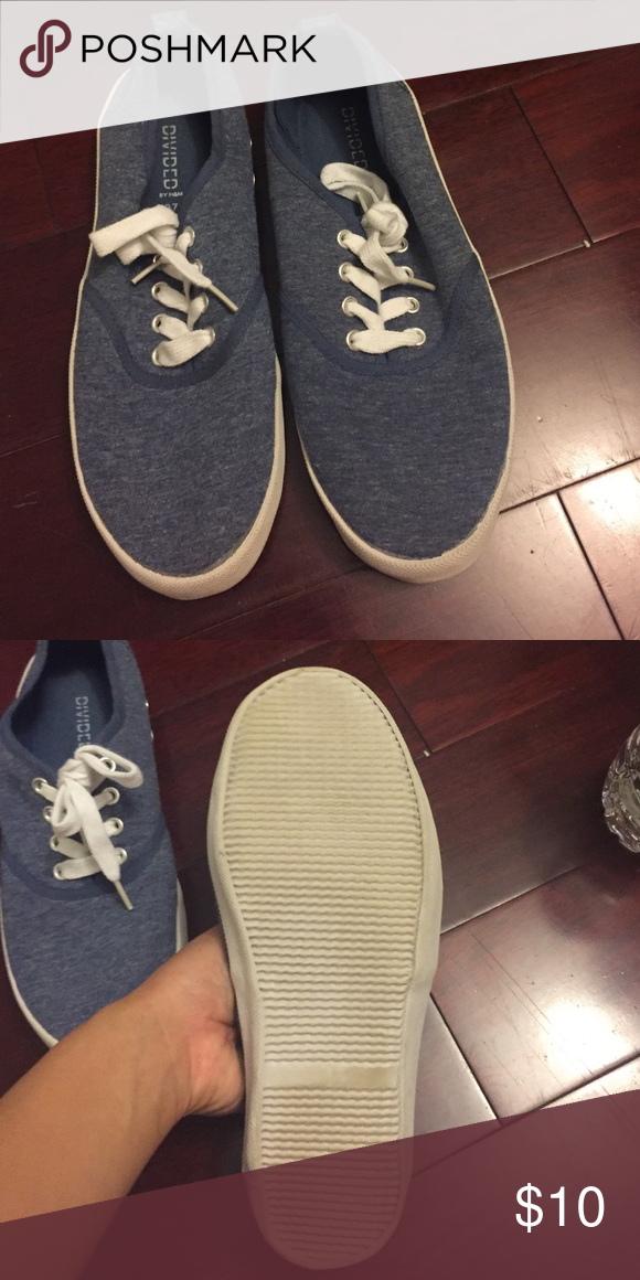 Blue canvas sneakers Blue canvas sneakers. Been worn once. From h&m. Size 37 H&M Shoes Sneakers