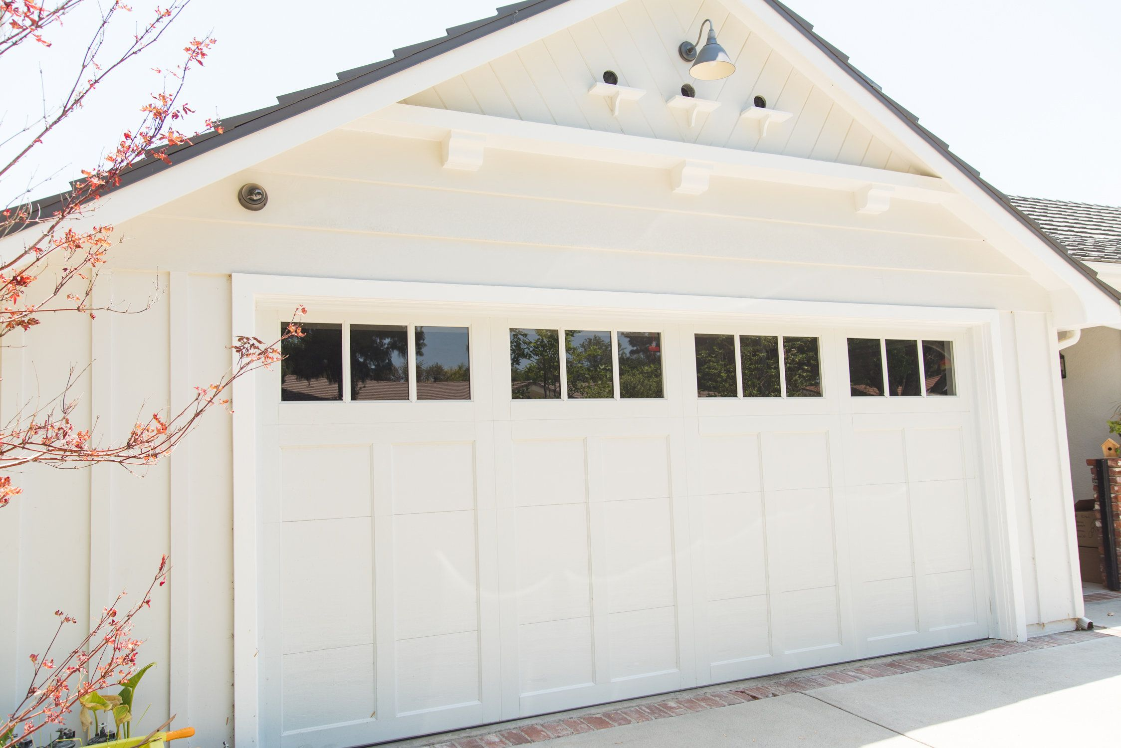 Clopay Coachman Collection Steel And Composite Carriage House Garage Door In White Design 12 With Rec 13 W Garage Door Styles Garage Doors Modern Garage Doors