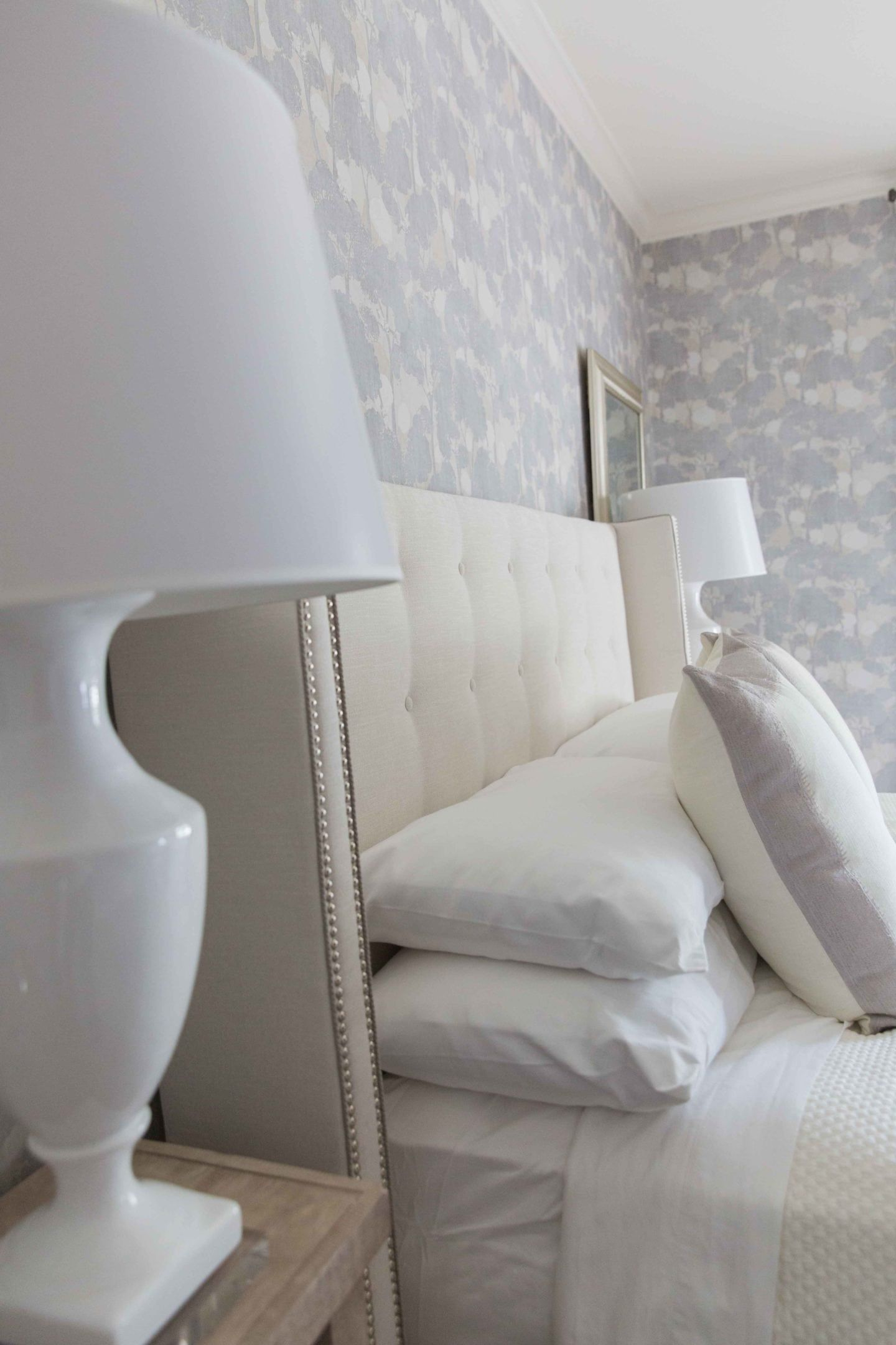 Bedroom Wallpaper Ideas Light Purple And Gray Wallpaper And White Lamps With Ivory Headb Wallpaper Design For Bedroom Bedroom Interior Bedroom Wallpaper White Bedroom wallpaper light grey