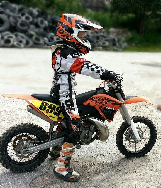 Top 4 Dirt Bikes For 10 Year Olds With Images Cool Dirt Bikes