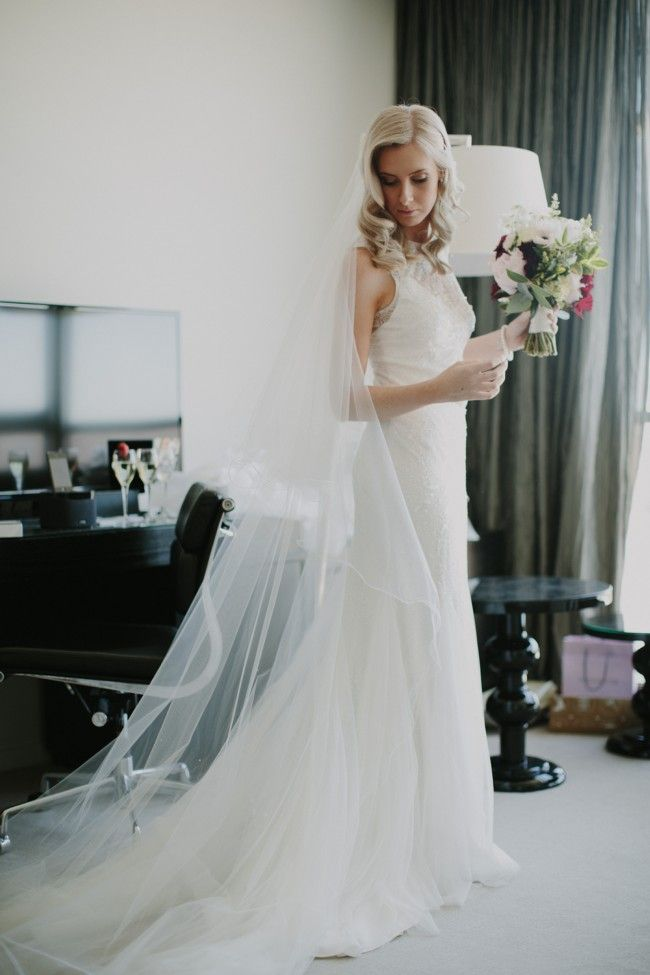 Rosa Clara Ulric Preowned Wedding Dress Save 19 Preowned Wedding Dresses Dresses Wedding Dresses
