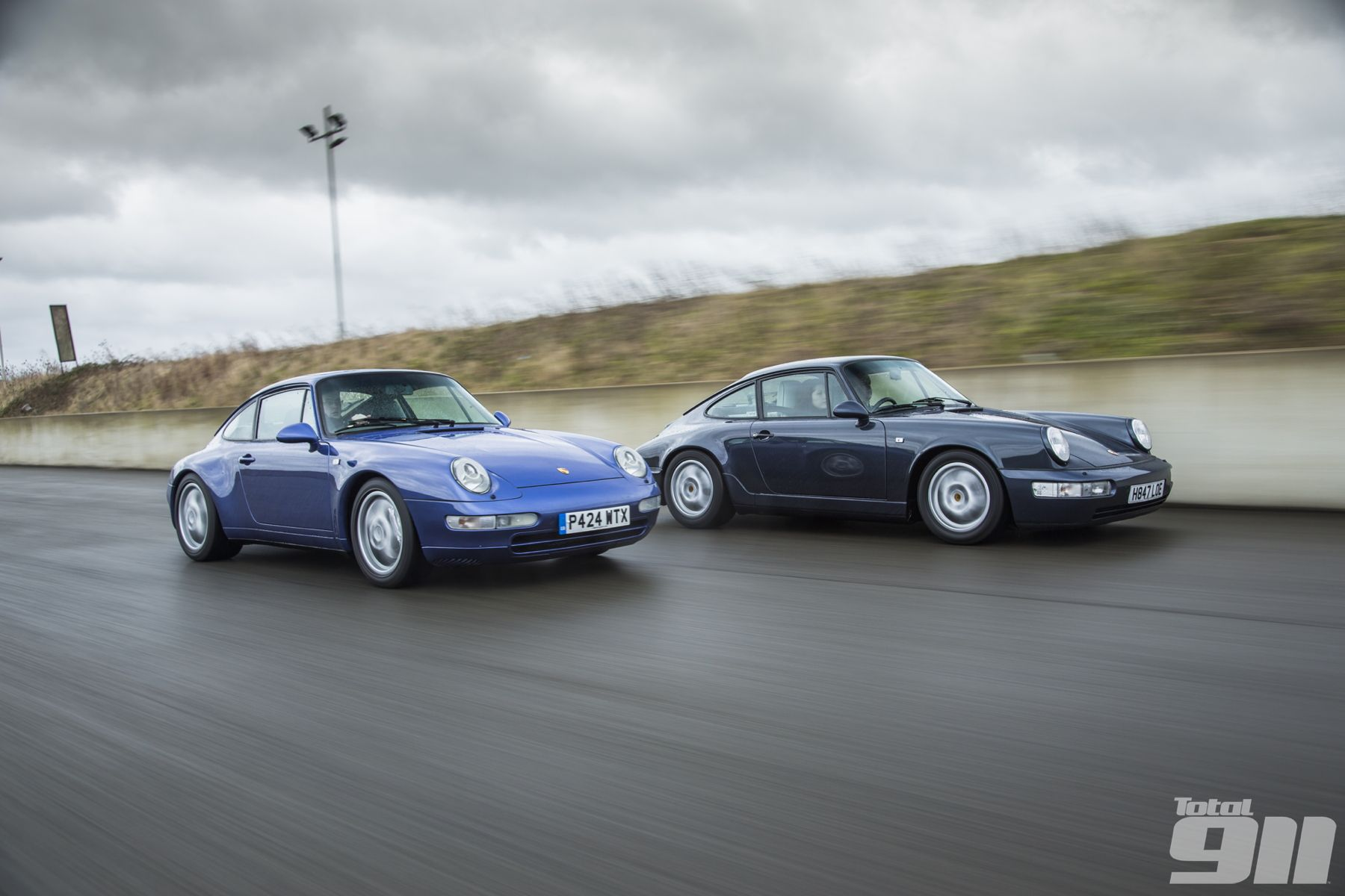 K Roll S Porsche 911 Generational Comparison 993 Vs 964 Porsche 911 Porsche Porsche 964