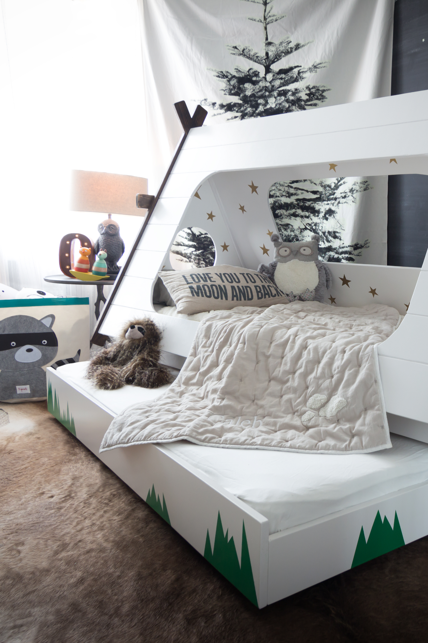 This DIY Bed Lets Kids Feel Like They\'re Camping All Year ...