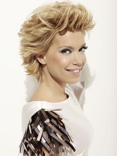 Sylvie Van Der Vaart So Stylish Sind Ihre Frisuren Korte Pixie