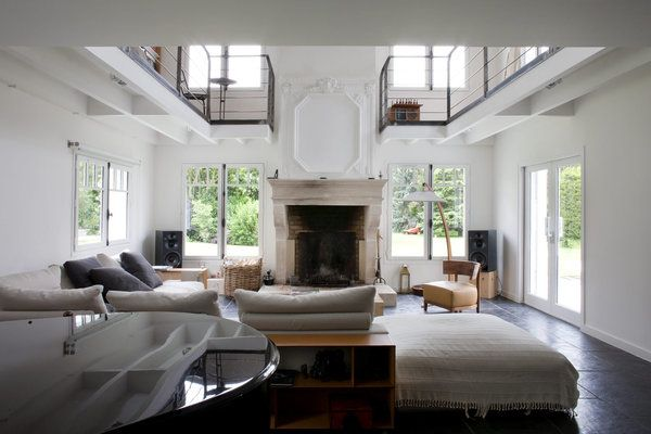 La grande pièce à vivre de 52 m² a été rafraîchie par le choix de la ...
