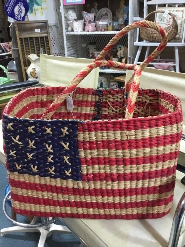 How Cute‼️🇱🇷 Woven flag basket , ONLY 12.95. Great for