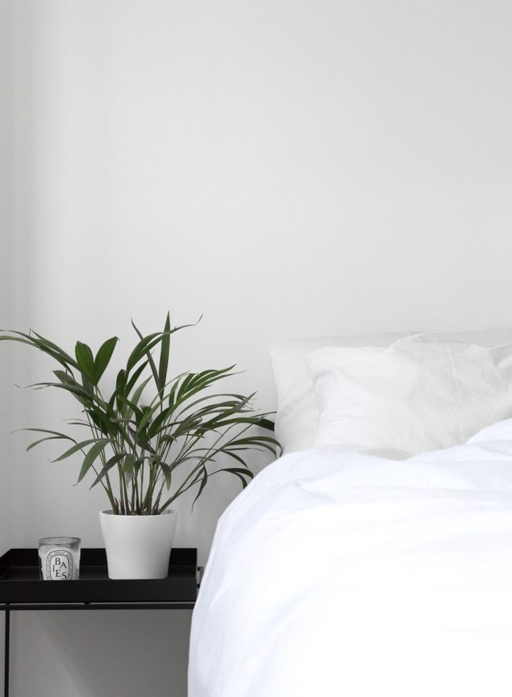 MINIMAL HOME TOUR BEDROOM WHITE | @andwhatelse