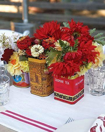 Using tea tins as vases - Marie-Paule Faure