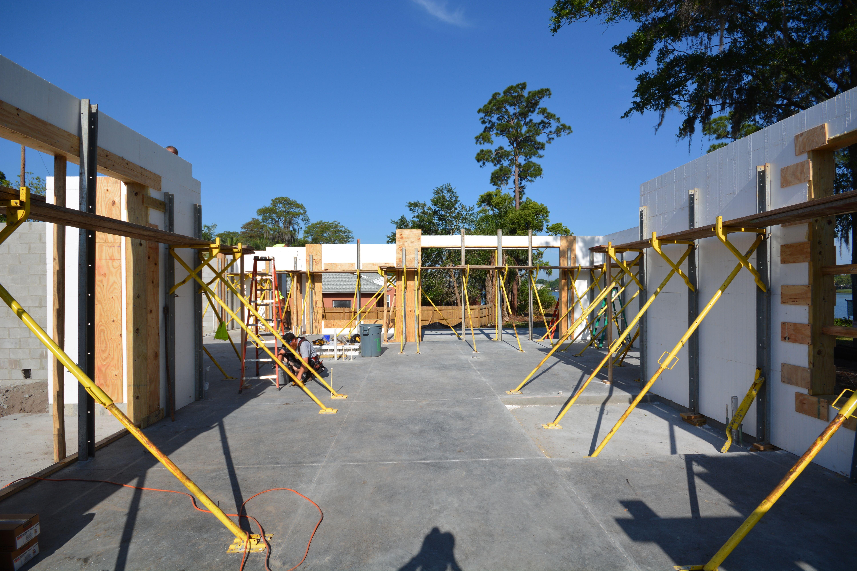Fox Blocks Icf Icf Wall Bracing Giraffe Bracing Icf Icf Walls Custom Homes Insulated Concrete Forms