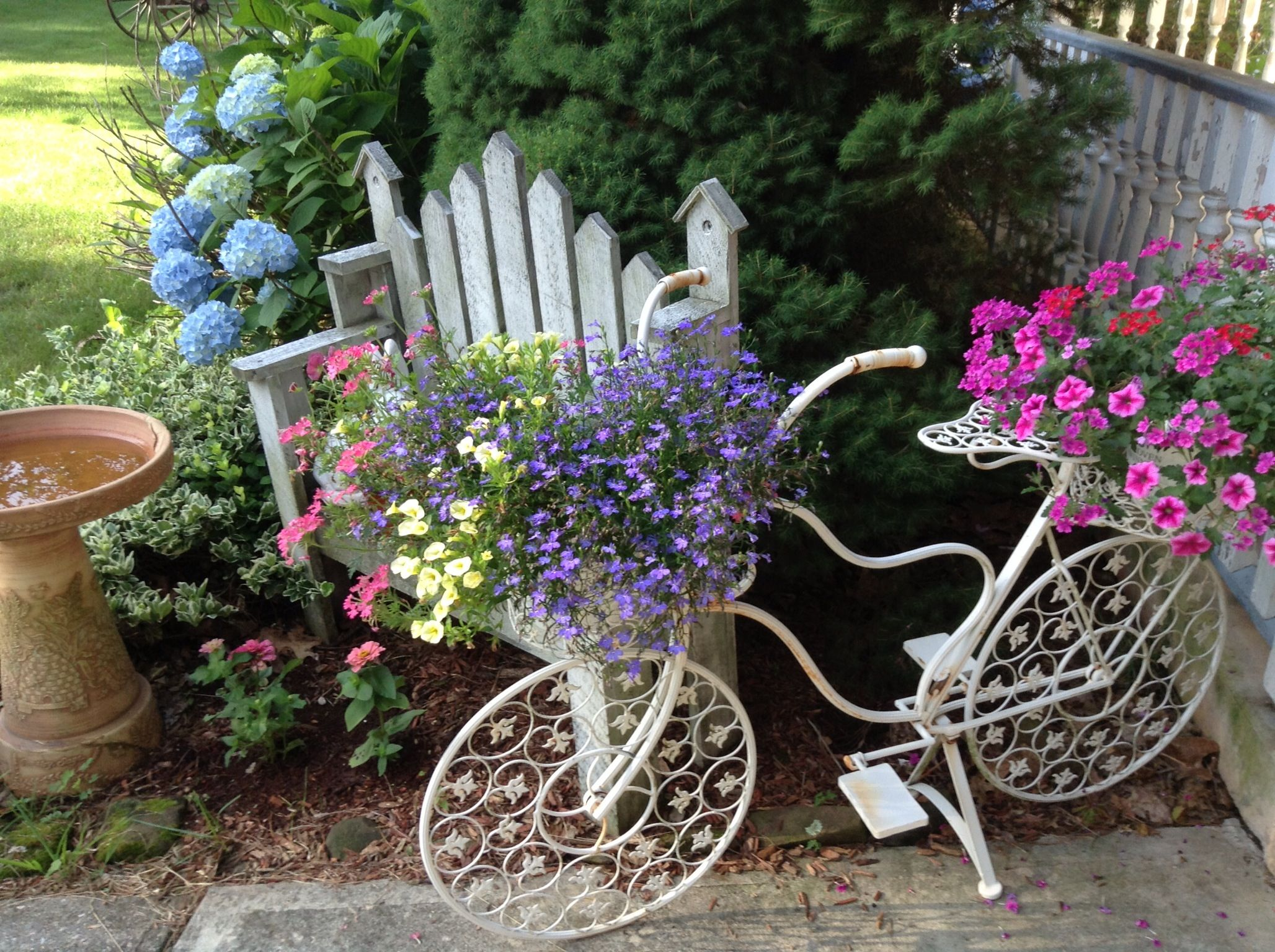 my little front yard garden shabby chic garden pinterest. Black Bedroom Furniture Sets. Home Design Ideas