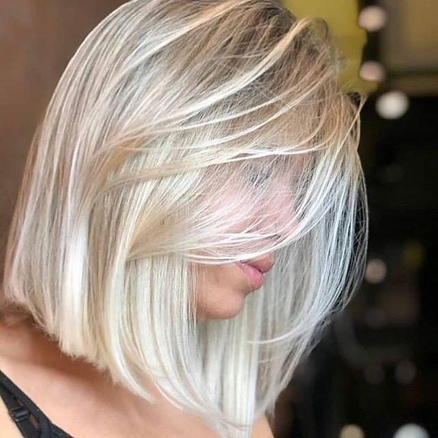 52 Erstaunlich Long Bob Frisuren Um Elegant Auszusehen In 2020 Blonde Hair Colour Shades Hair Color Shades Blonde Hair Color