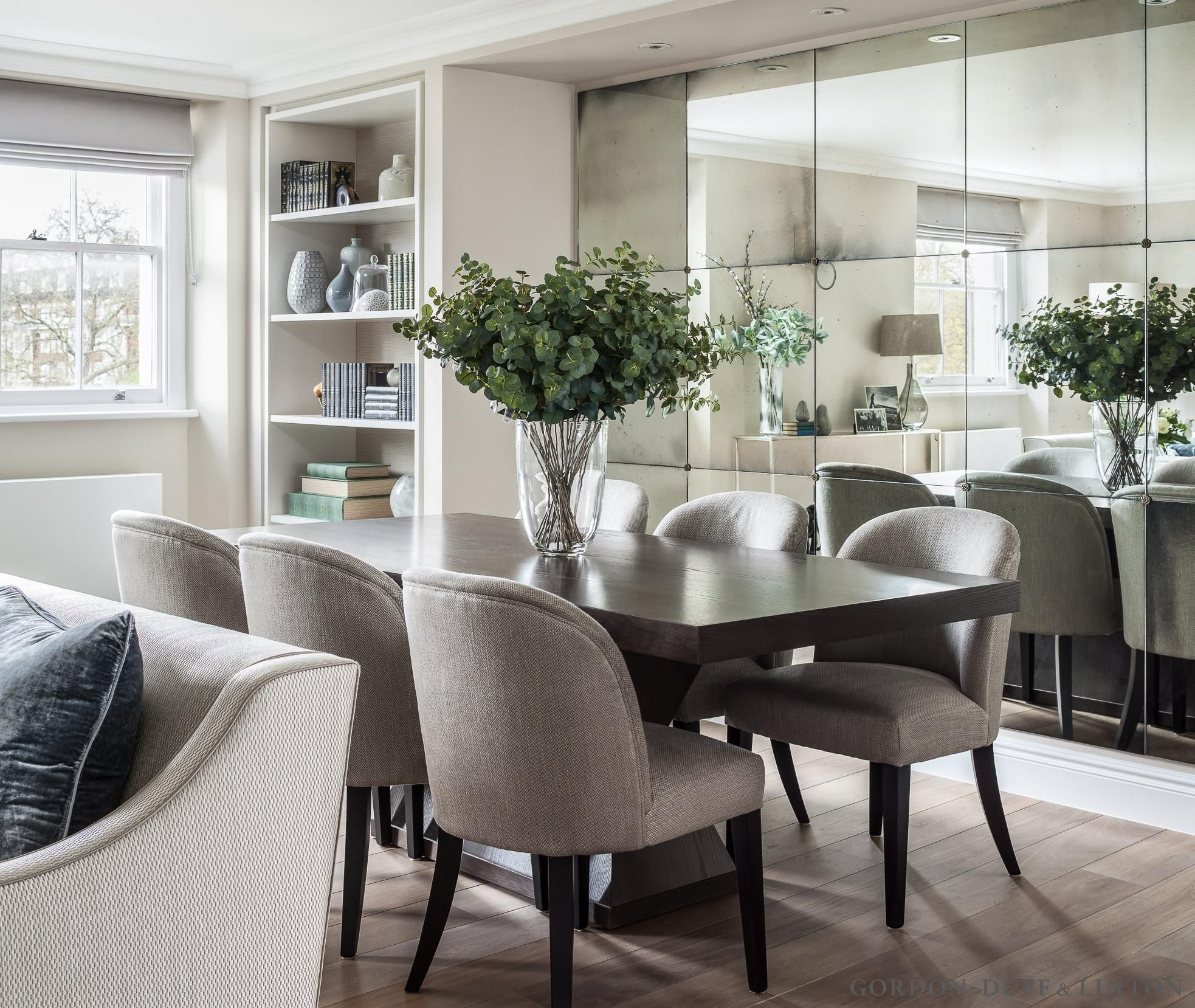 Onslow Square – Gordon Duff & Linton. Living room with bespoke ...