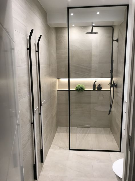 37 Modern Bathroom Vanity Ideas For Your Next Remodel In 2020 Modern Bathroom Design Bathroom Design Small Bathroom Interior Design