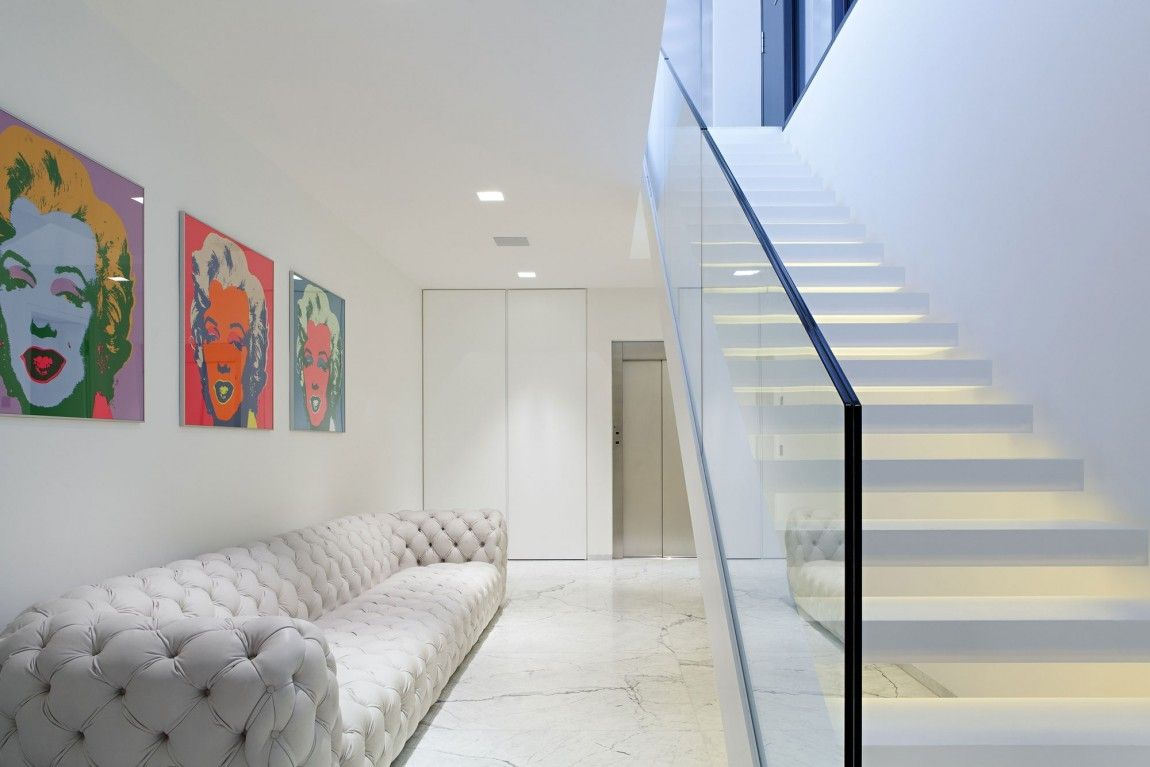 Best Fantastic White Inner Staircase Without Railings But With 640 x 480