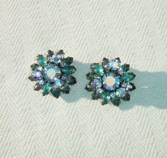 Vintage 1950's Beaujewels Beautiful Blue Rhinestone Clip on Earrings