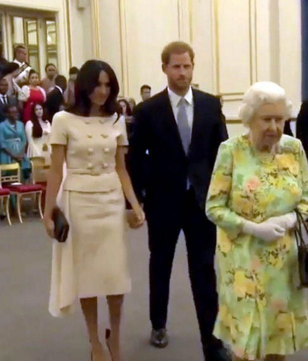 Prince Harry Refuses To Hold Meghan Markle's Hand... As