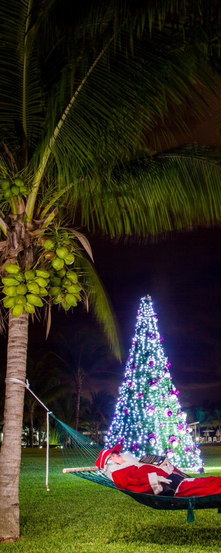 Santa is taking a nap at Riu Palace Mexico in Playa del
