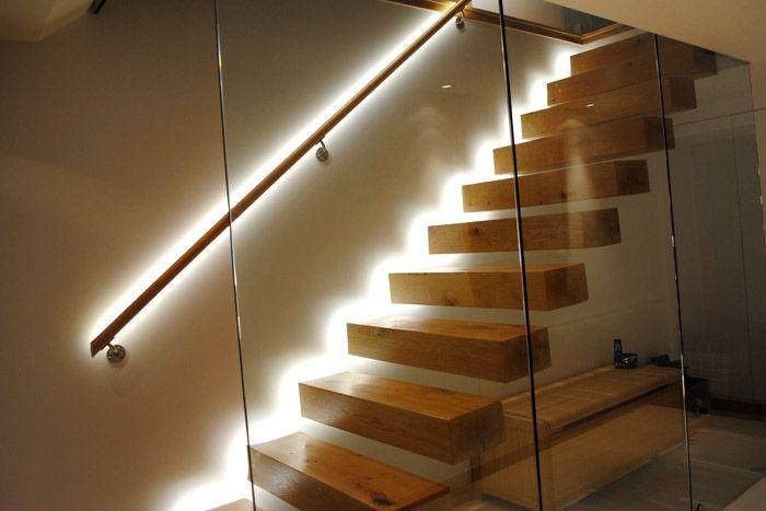 décoration montée du0027escalier et rembarde cordon lumineux led