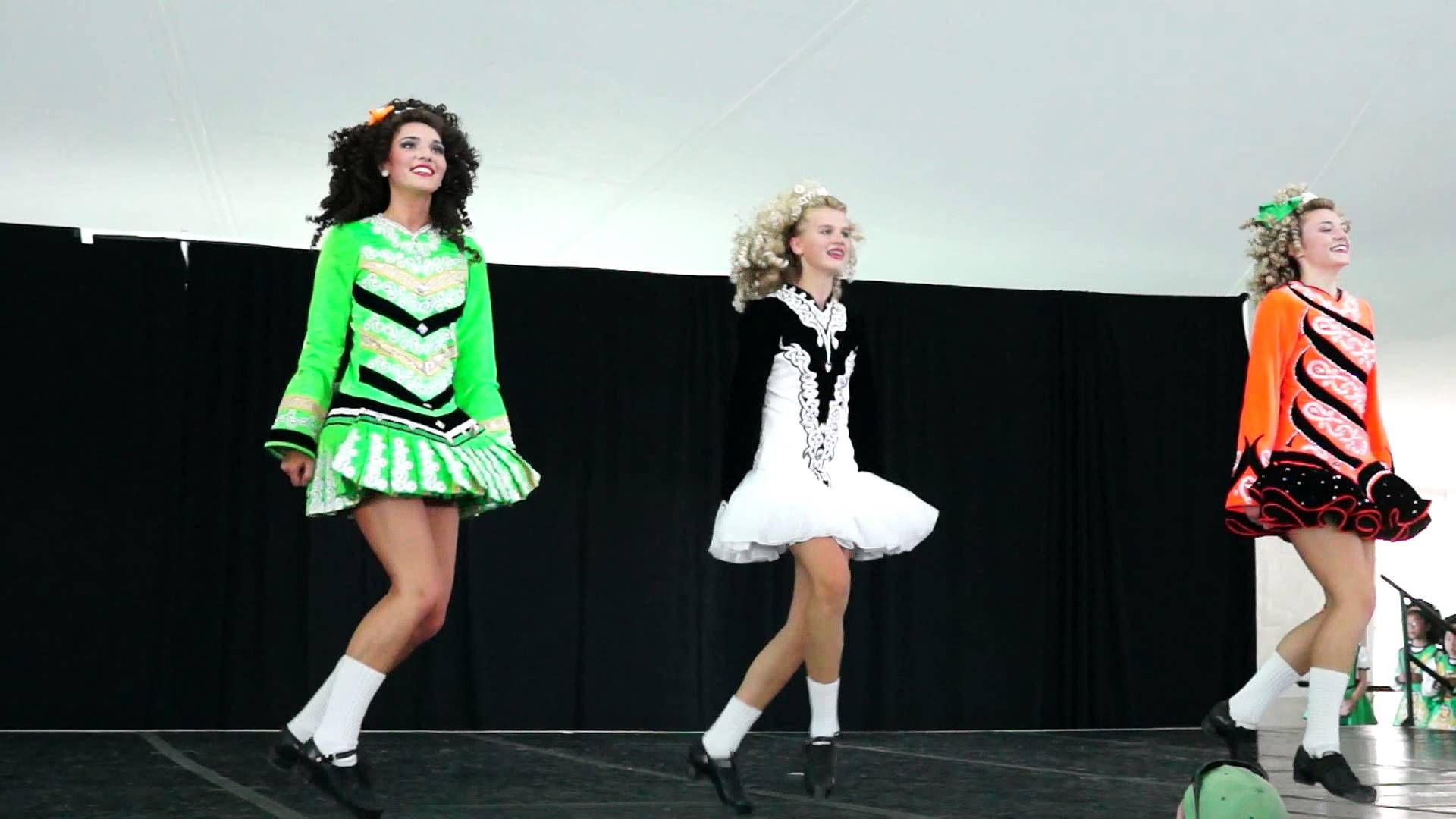 Corda Mor Irish Dance They Re Dresses Make The Irish Flag Irish Dance Dance Dance Videos