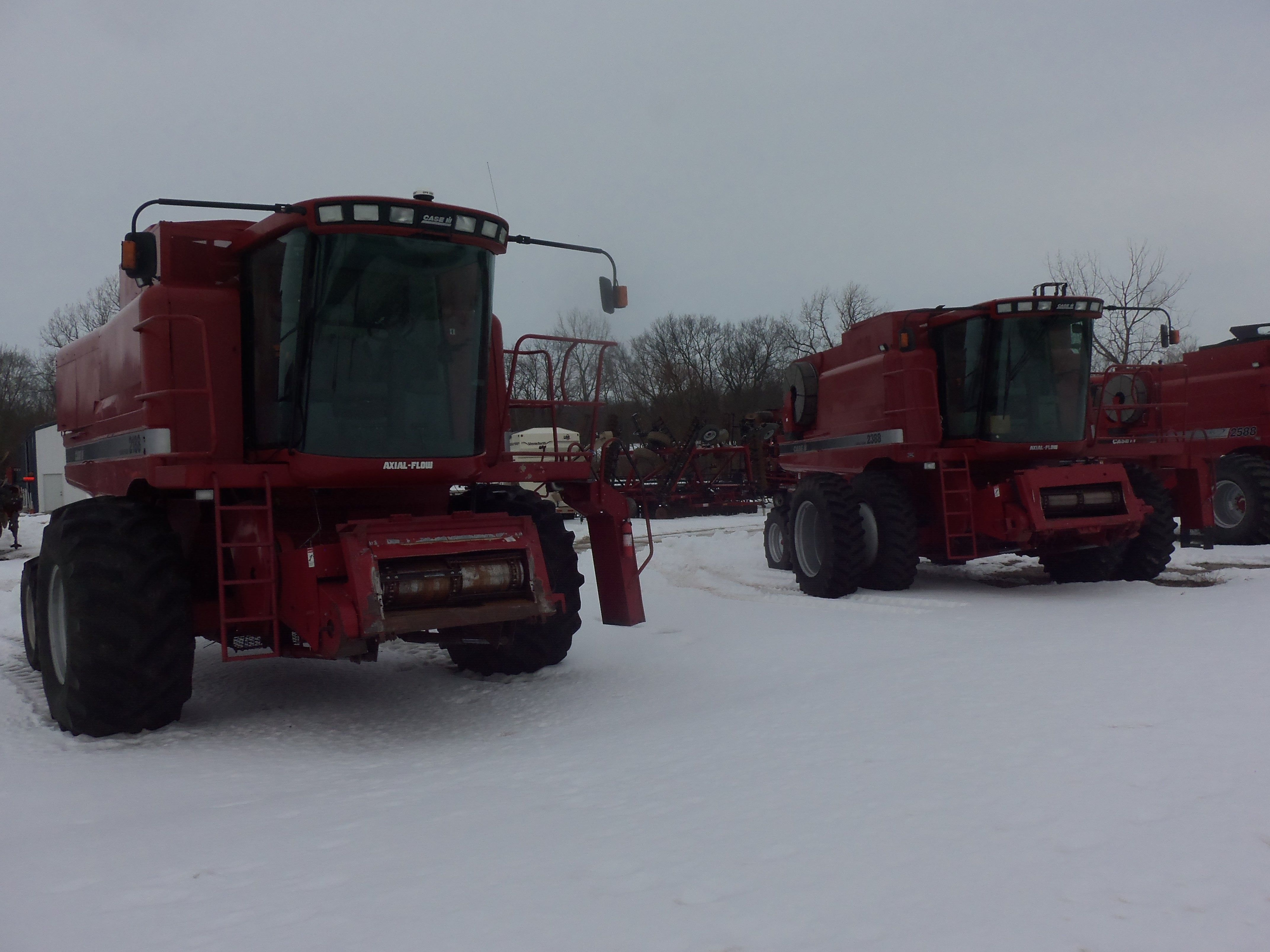 2188 combine - R To L Caseih 2388 And The Axial Flow Combine It Replaced The 2188