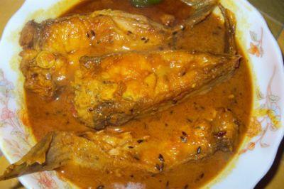 Ilish macher paturi bengali hilsa curry curry cuisine and awesome cuisine gives you a simple and tasty ilish macher paturi bengali hilsa curry forumfinder Choice Image