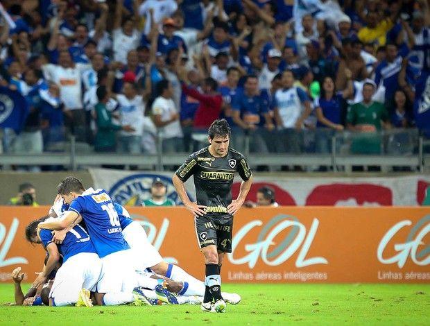 Cruzeiro 3 x 0 Botafogo, no Mineirão. Brasileirão 2013