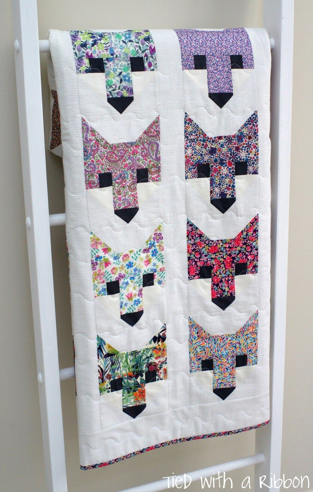 Tied with a Ribbon: F-A-N-C-Y Foxes! | Sewing & embroidery ... : tied quilt patterns - Adamdwight.com