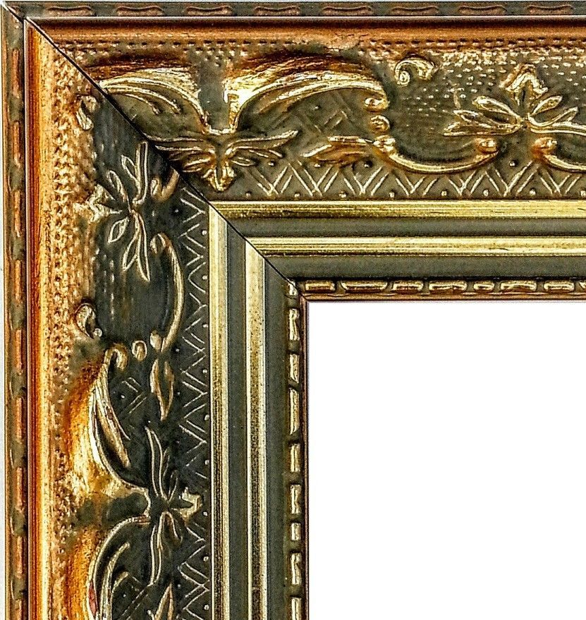 100 Feet Wide Ornate Gold Picture Frame Moulding Wood Baroque