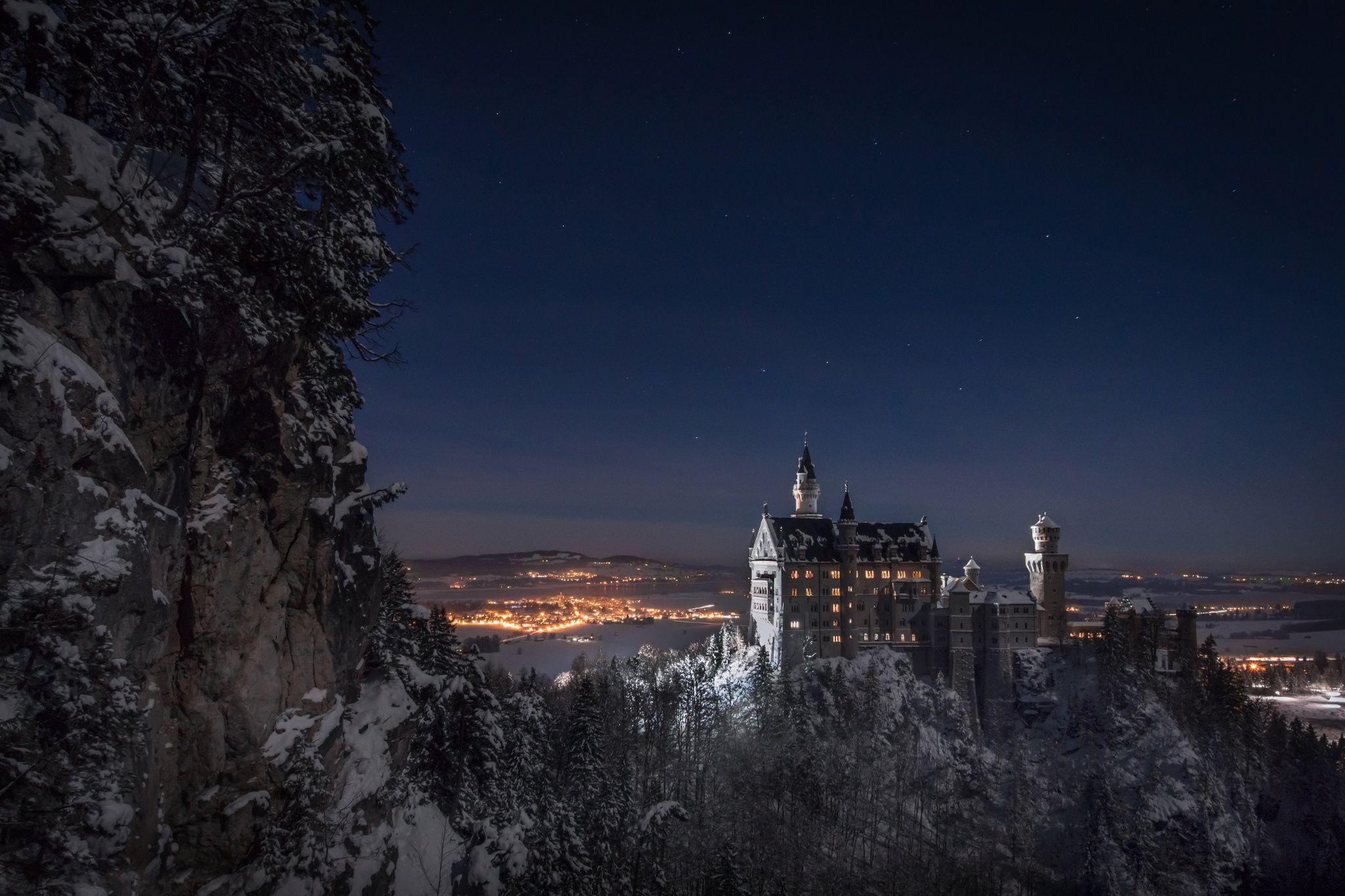 Neuschwanstein Fairy Tale Castle In A Winter Night Neunschwanstein Castle Near Fussen Germany Schloss Neuschwanstein Neuschwanstein Urlaub