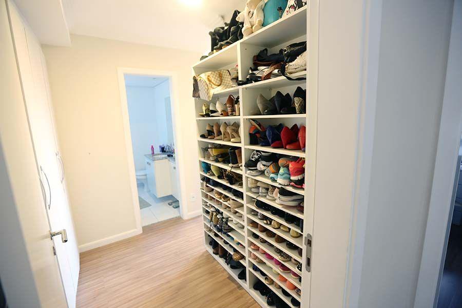 084928d93 Organização do closet: Sapateira sob medida | Organização,Decoração ...