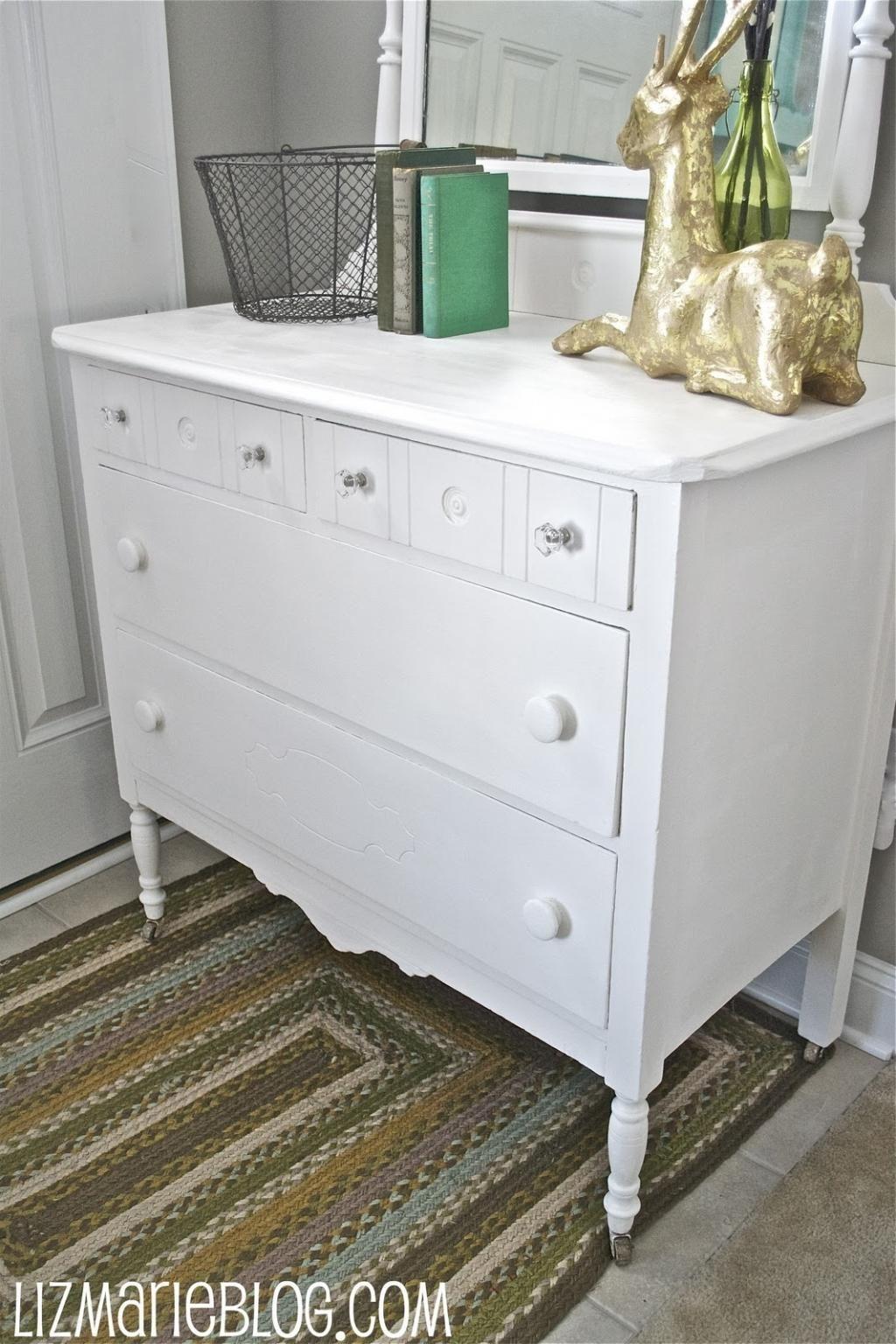 les avantage de la peinture a la craie le poncage d un meuble n est pas necessaire avant l application de la peinture pas de couche d appret necessaire