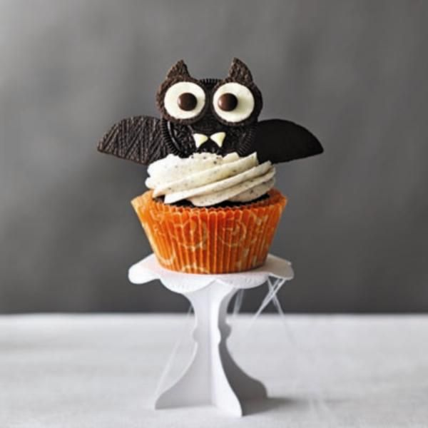 Halloween Bat Cupcakes.Pin On Cupcakes Galore Cakes And More