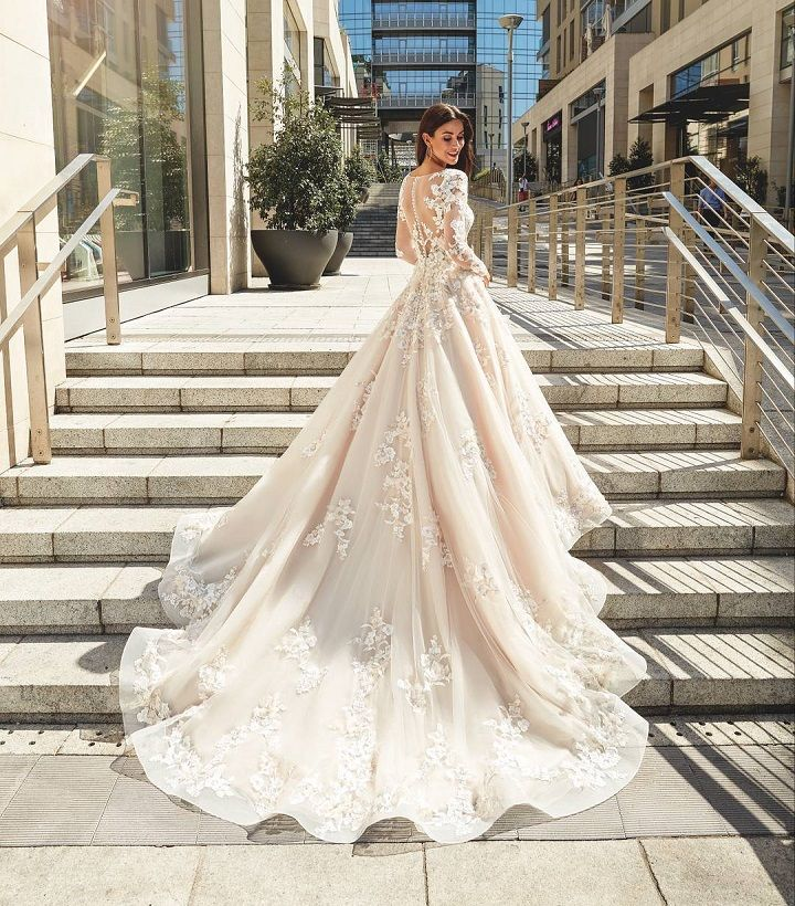 Long Sleeved Wedding Dresses.Long Sleeved Wedding Dresses Are Perfect For Autumn And