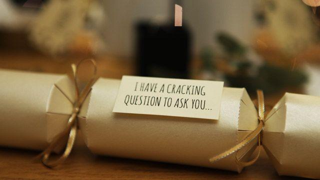 Denken Sie darüber nach, über Weihnachten vorzuschlagen? Wir haben einige tolle Ideen für Sie …   – Daily Dose of Sparkle Blog