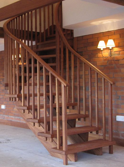 Best Hardwood Stairs With Helical Strings And Wreathed 400 x 300