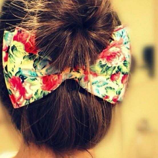 Bow = Cute....I'll have to bust out all my old bows from when I was little to try this out!