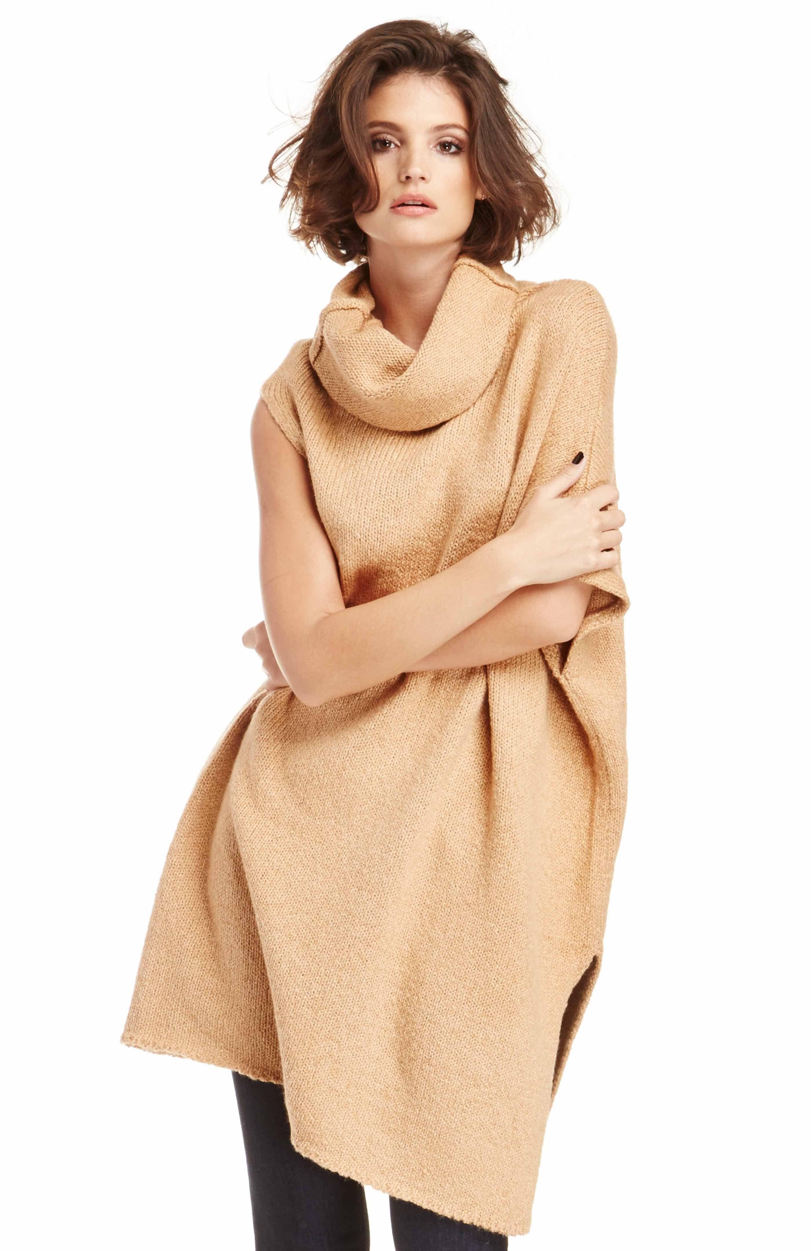 DailyLook: T.Yorke Cotton Turtleneck Sweater in Camel One Size