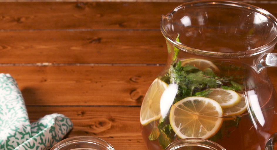 Whiskey Lovers Will Flip For This Easy Lemonade Punch
