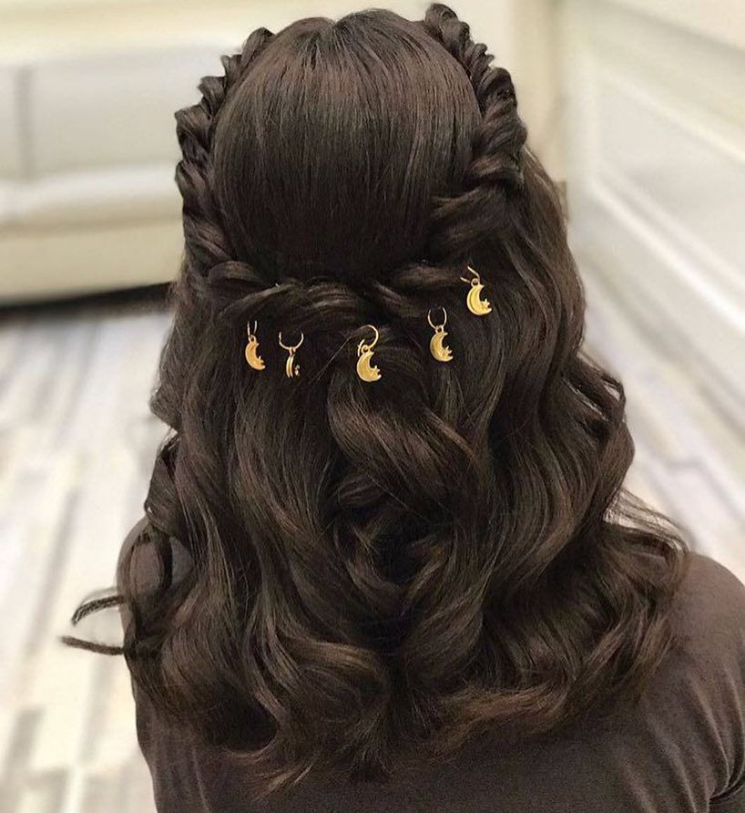 Pin By Dalal On تساريح شعر Hair Accessories Hair Styles Wedding Hairstyles For Long Hair