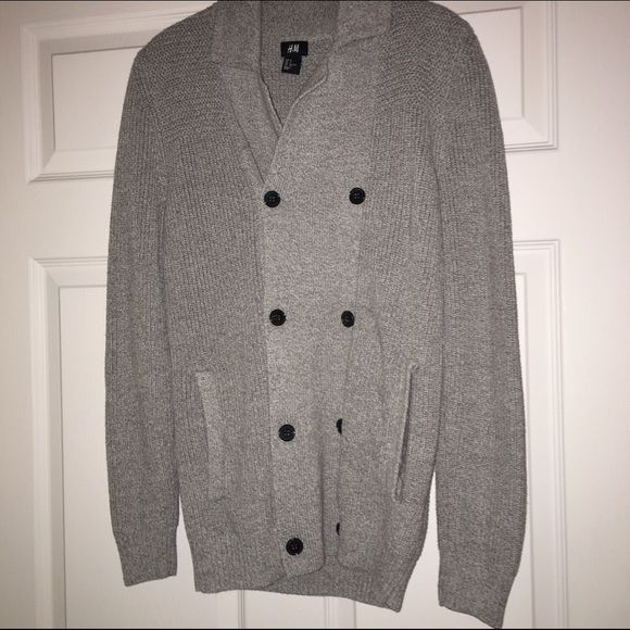 Men's H&M Cardigan Grey button down cardigan with a folded neck ...