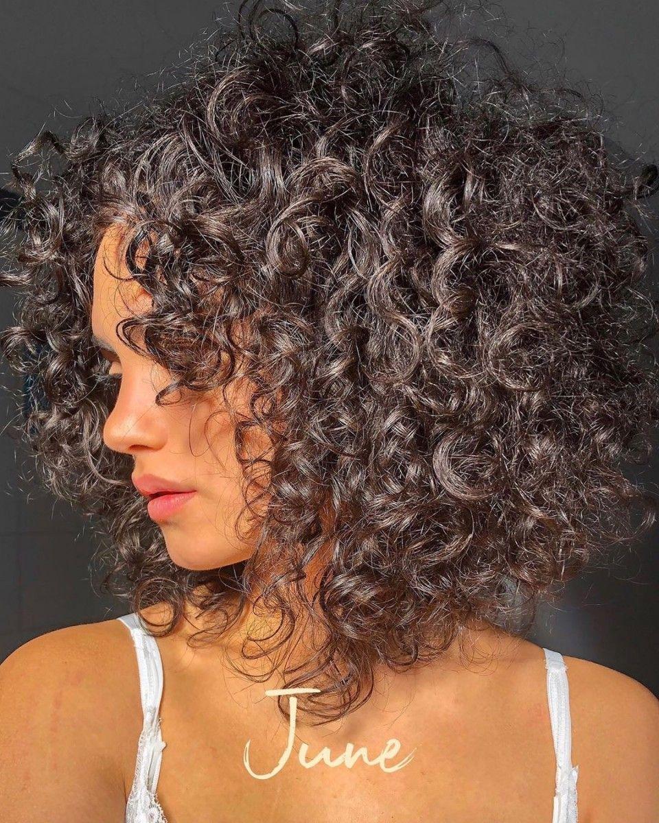 Frisuren 10 Lockige Frisuren 2020 Frisuren 2019 2020 In 2020 Lockige Frisuren Lange Lockige Haare Frisuren