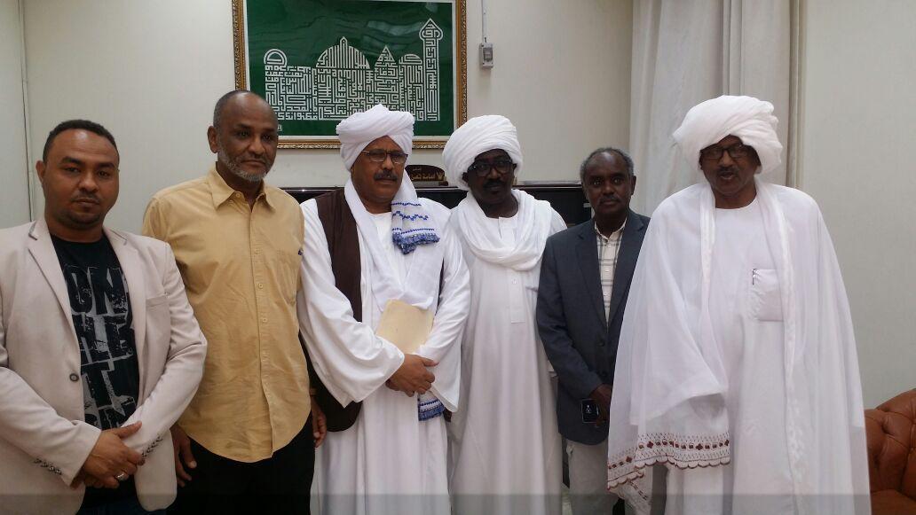 وفد رفيع المستوى من الرابطة الرياضية يزور السفارة السودانية بالرياض