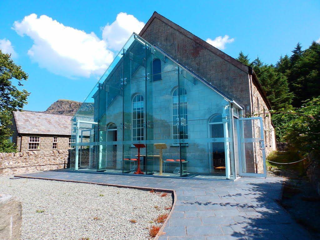 House  Resultado de imagem para glass house extension
